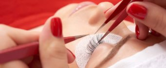 Get Longer, Stronger Lashes With Eyelash Extensions