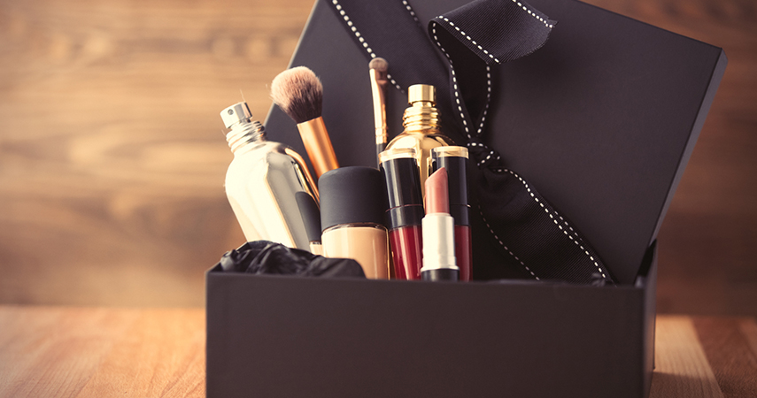 The Ultimate Guide to Makeup Gifts