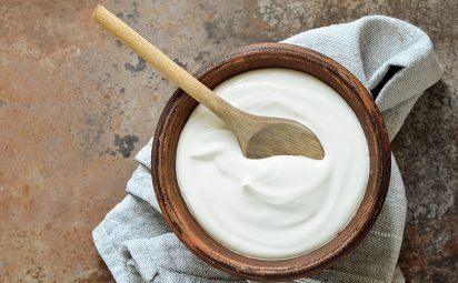 Yoghurt is a common ingredient in DIY hair masks