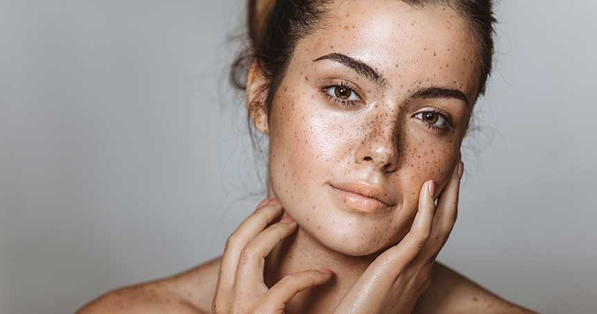 A girl with natural, dewy makeup on