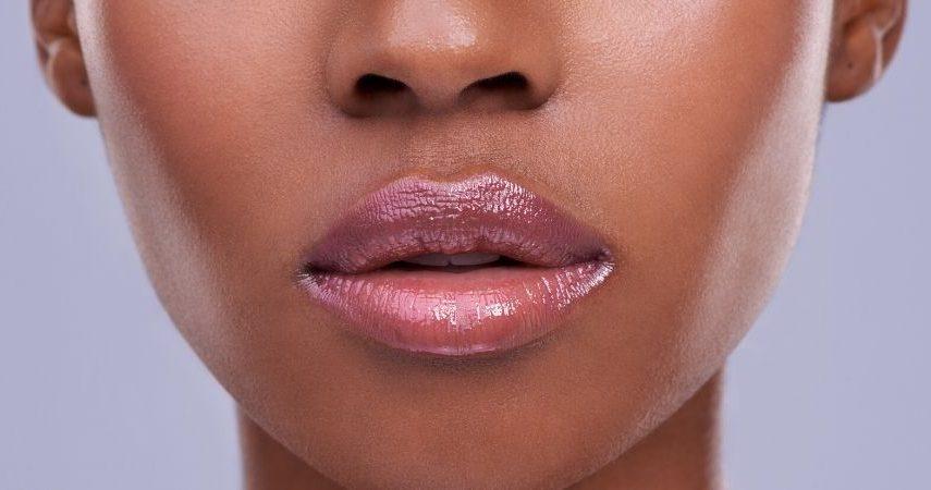Someone wearing lip gloss.