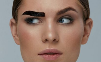 Someone wearing eybrow tint.